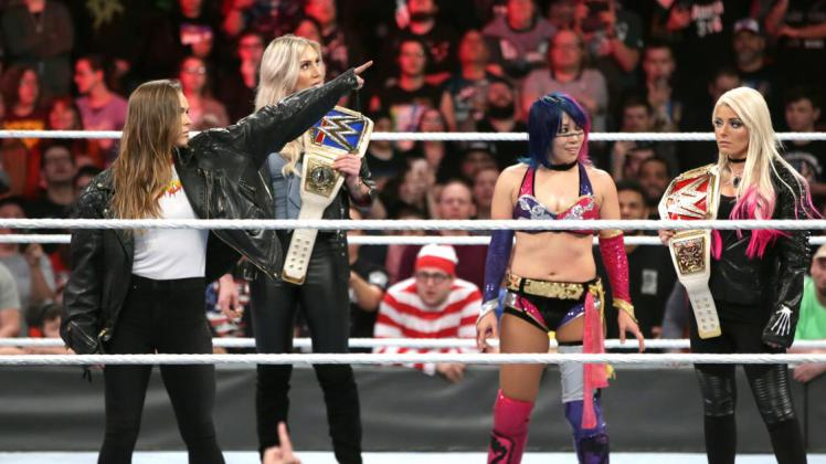 20180128_royalrumble_rumblewomen_photo_rousey_asuka-424573cb447ced0f92c9b827be5e4104